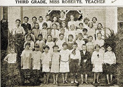 1924-Miss-Iola-Roberts
