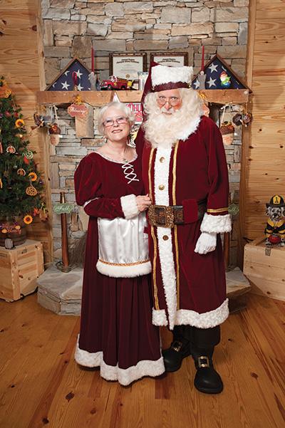 Santa-n-Mrs-Claus-1838